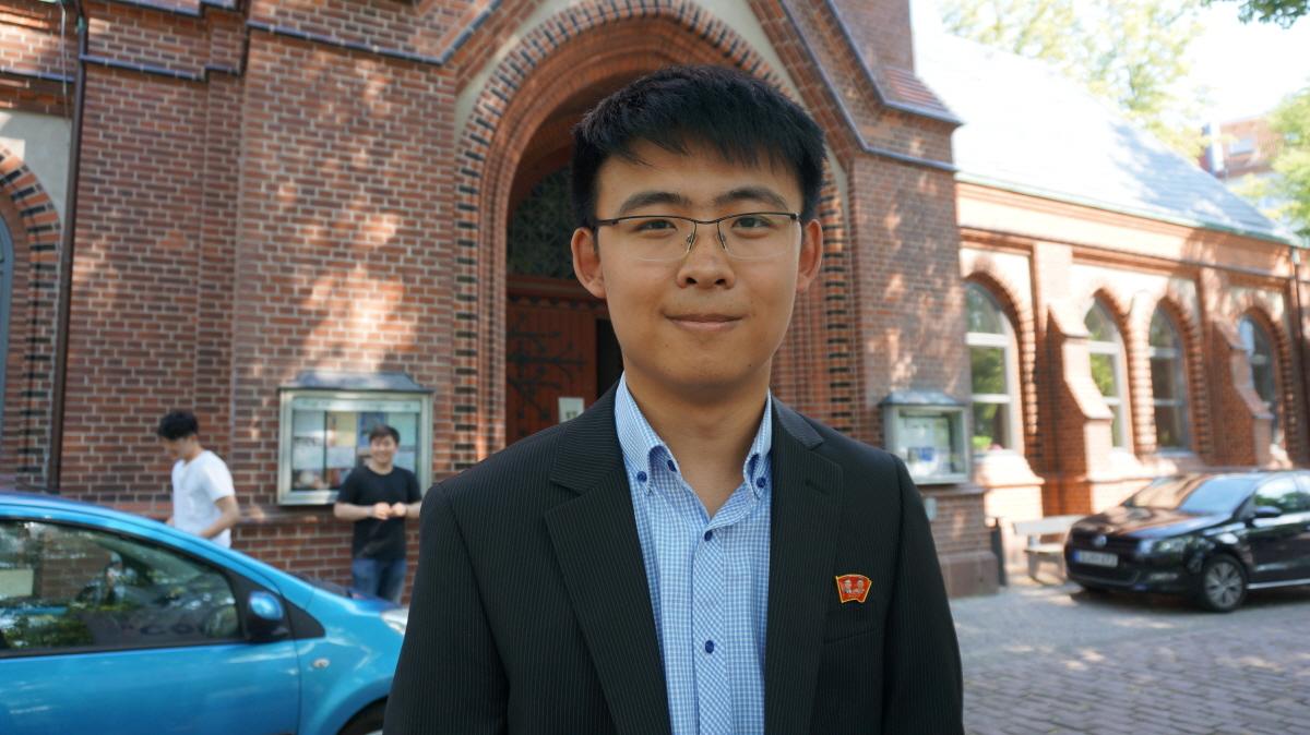 북측 공연단의 홍진혁 학생