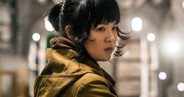 영화 <스타워즈: 라스트 제다이>에서 '로즈 티코' 역을 맡은 배우 켈리 마리 트란. 최근 악성 댓글로 인해 SNS 게시물을 모두 삭제했다.