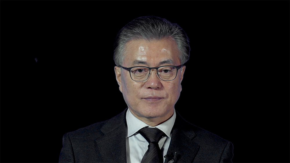 영화 <노무현입니다>에 출연한 문재인 대통령