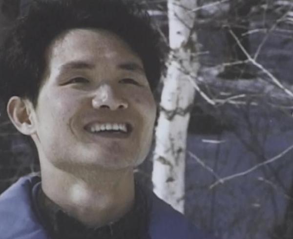 다큐멘터리 영화 <세발 까마귀>(1997) 한 장면