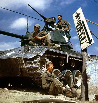 한국전쟁에 참전한 미군의 모습. 1950년 8월 사진.