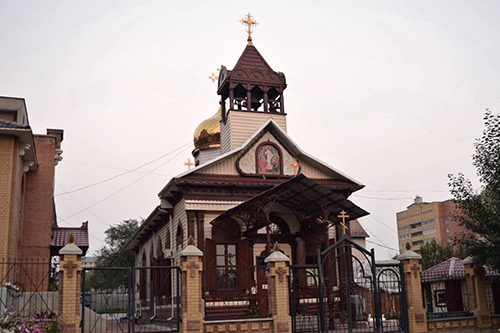 치타에서 만난 러시아 정교회. 블록 게임인 '테트리스'에 등장하는 건물 양식이다.