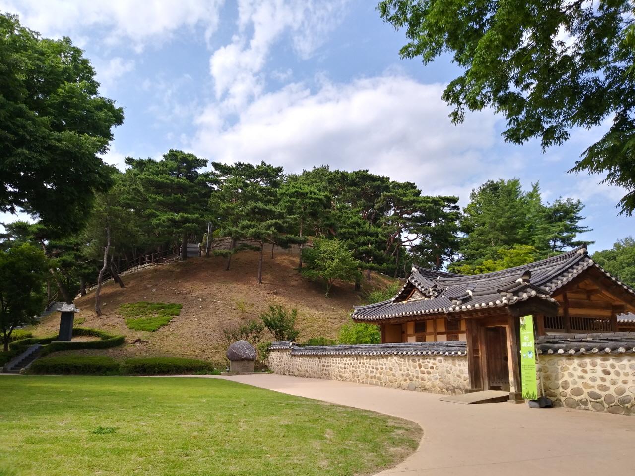 다산 유적지 정약용 생가와 뒷동산 묘소