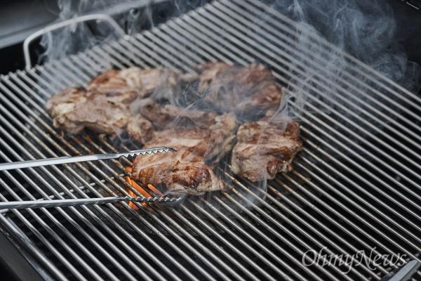 토종닭은 질겨서 푹 삶아 먹어야 한다는 게 정설이다. 하지만 삶아서 맛있으면 튀기거나 구울 때 더 맛있다.