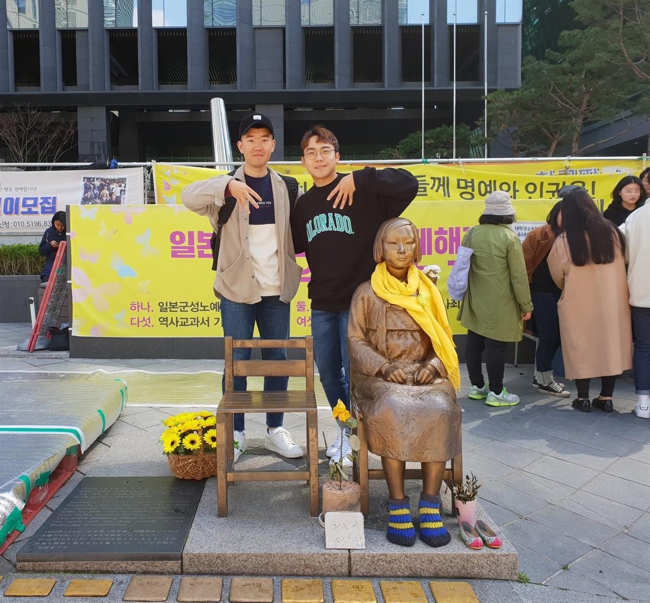 3A Project 3A Project에 참여하는 이호준(좌)씨와 백현재(우)씨