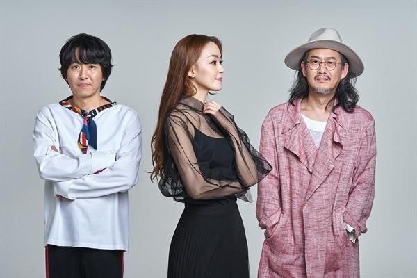 자우림 자우림이 22일 오후 6시 정규 10집 <자우림> 발매를 앞두고 지난 21일 오전 서울 학동의 한 카페에서 인터뷰를 열었다.