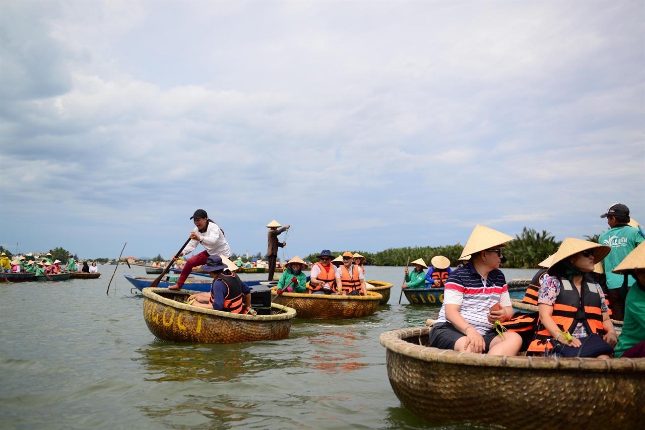 광주리배 체험 베트남 전통 배 투옌퉁(까이퉁) 투어...광주리 배 체험1