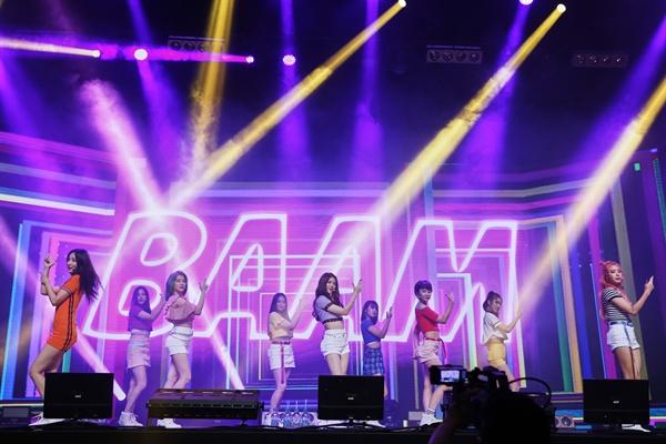 모모랜드 모모랜드가 미니 4집 < Fun to The World > 발매를 기념해 26일 오후 서울 한남동 블루스퀘어에서 쇼케이스를 열었다.