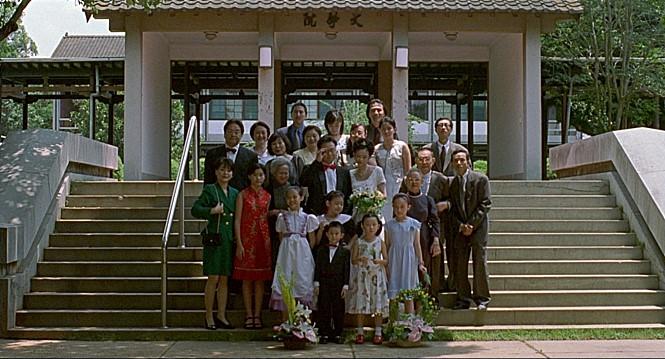 대만 뉴웨이브 대표 감독으로 주목받았던 에드워드 양(1947~2007)의 마지막 영화 <하나 그리고 둘>(2000)