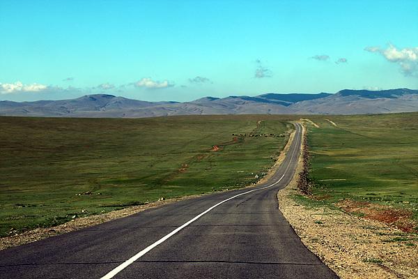 몽골 울란바토르에서 카라코룸으로 가는 초원길 모습