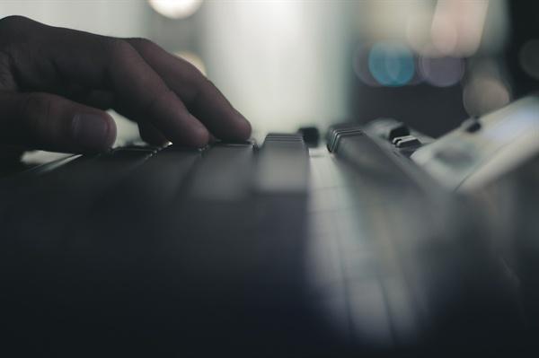 인터넷에 난무하는 성희롱·모욕 댓글, 악플러들은 당사자의 고통을 알까