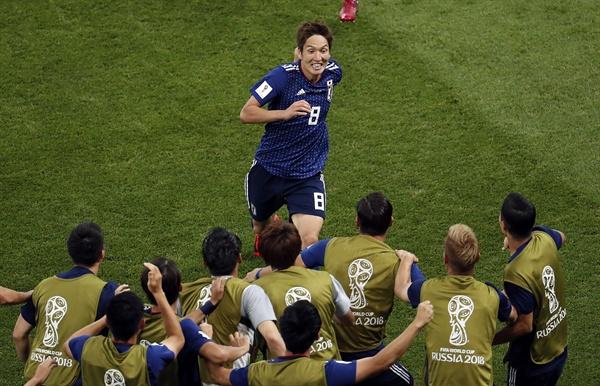 3일(한국 시각) 러시아 로스토프 아레나에서 열린 벨기에와의 16강전에서 선제골을 터트린 일본의 하라구치 겐키 선수가 기뻐하고 있다.