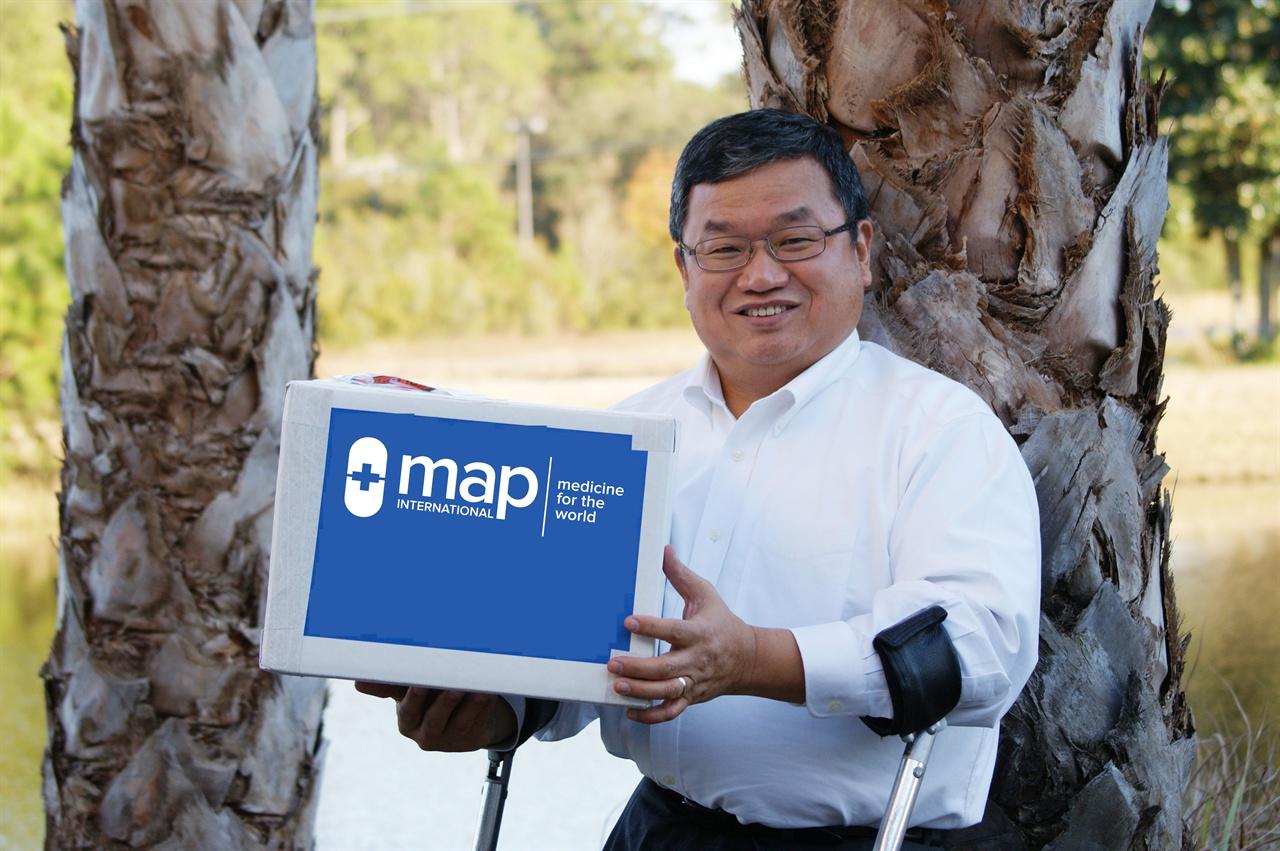 MAP 인터내셔널 대표 겸 CEO, 한인 해외입양인 스티븐 스털링 MAP 인터내셔널은 세계에서 14번째로 큰 비영리단체로 매년 1400만명의 사람들에게 생명을 살리는 약을 제공하고 있다.