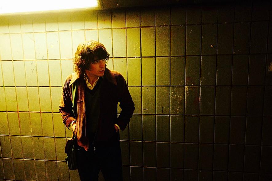 < 잉글랜드 이즈 마인 >에서 모리세이 역을 맡은 존 로던은 영화 < 덩케르크 >를 통해 대중에게 얼굴을 알렸다.