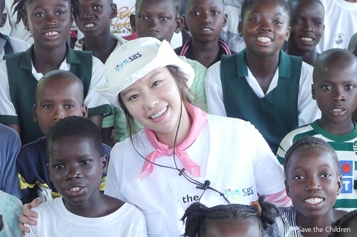 라이베리아 봉사활동을 떠났던 김아중