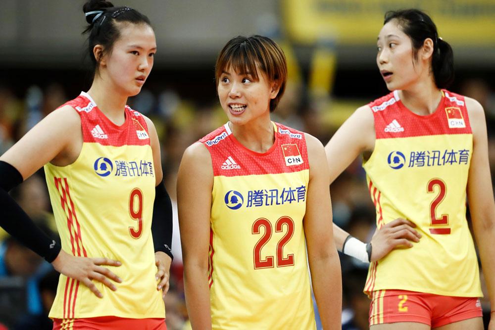 중국 여자배구 대표팀 주 공격수... 왼쪽부터 장창닝(193cm), 쩡춘레이(187cm), 주팅(198cm)