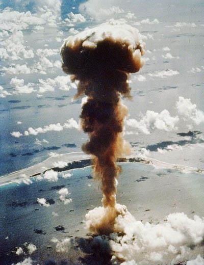 비키니섬 핵실험.