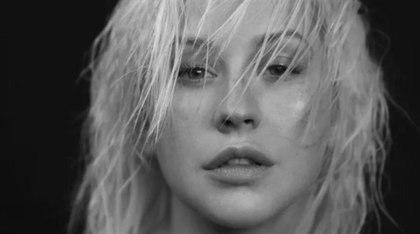 지난 6월 15일 발표된 크리스티나 아길레라 신보 < Liberation > 앨범 커버.