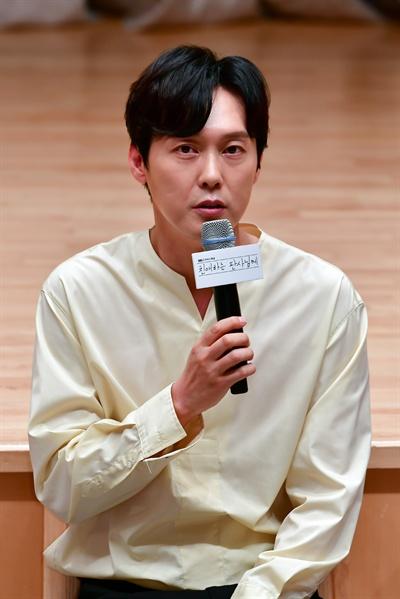 11일 서울 목동 SBS 사옥에서 진행된 드라마 <친애하는 판사님께> 기자간담회에서 배우 박병은이 기자들의 질문에 답하고 있다.