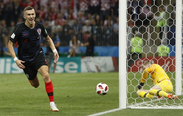 2018년 7월 12일 오전 3시(한국시간) 러시아 월드컵 준결승 크로아티아와 잉글랜드의 경기. 크로아티아의 이반 페리시치가 득점 후 기뻐하고 있다.