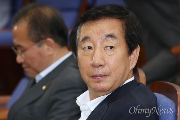 김성태 자유한국당 대표 권한대행 겸 원내대표가 12일 오후 서울 여의도 국회에서 열린 의원총회에 참석하고 있다.