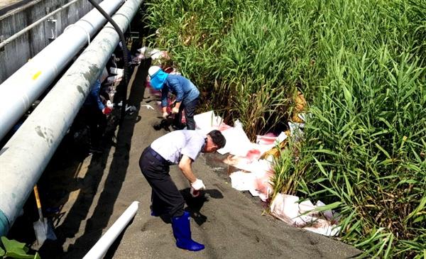 7월 12일 창원 마산항 4부두 인근에서 기름 유출사고가 발생했다.