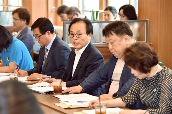 경기도 교육감직 인수위원과 기자들 간담회.