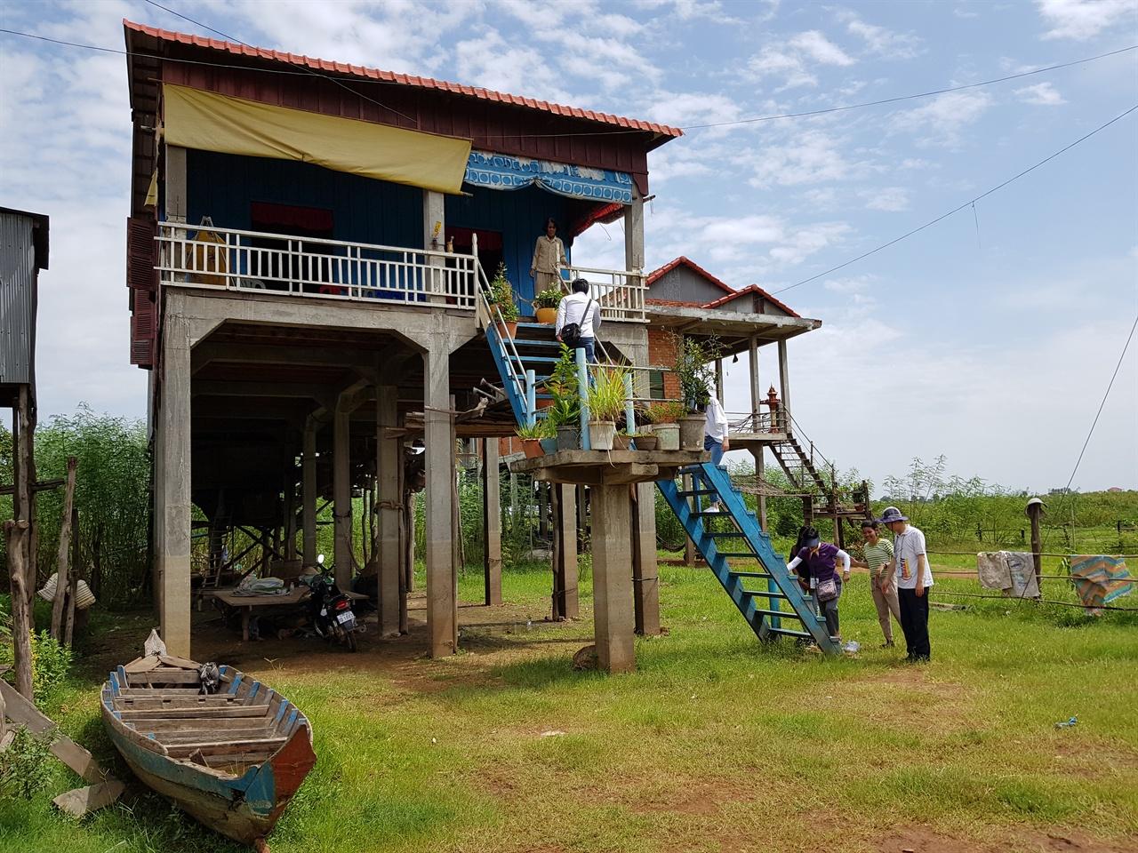 캄보디아 전통 가옥 구조인 쏘페아의 집 '쁘떼아 보란'