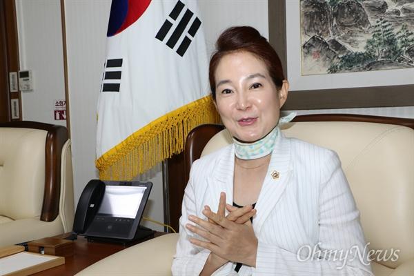 배지숙 대구시의회 의장.
