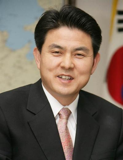 김태호 전 경상남도지사(2004년 6월~2010년 6월).
