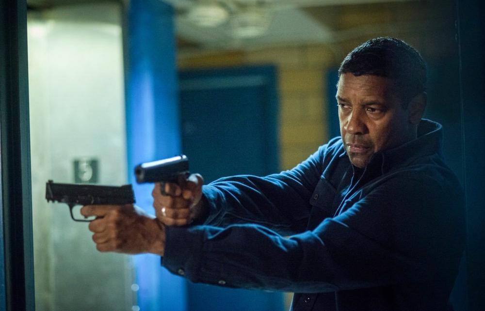 영화 < 더 이퀄라이저 2 > 의 한 장면.  1편에 이어 단젤 워싱턴이 범죄 집단을 일당백 액션으로 상대한다.