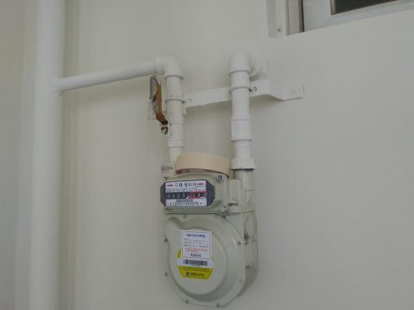 울산지역 한 아파트의 도시가스 계량기. 최근 도시가스 요금을 두고 인하, 인상 발표가 연이어 시민들이 혼란을 겪고 있다