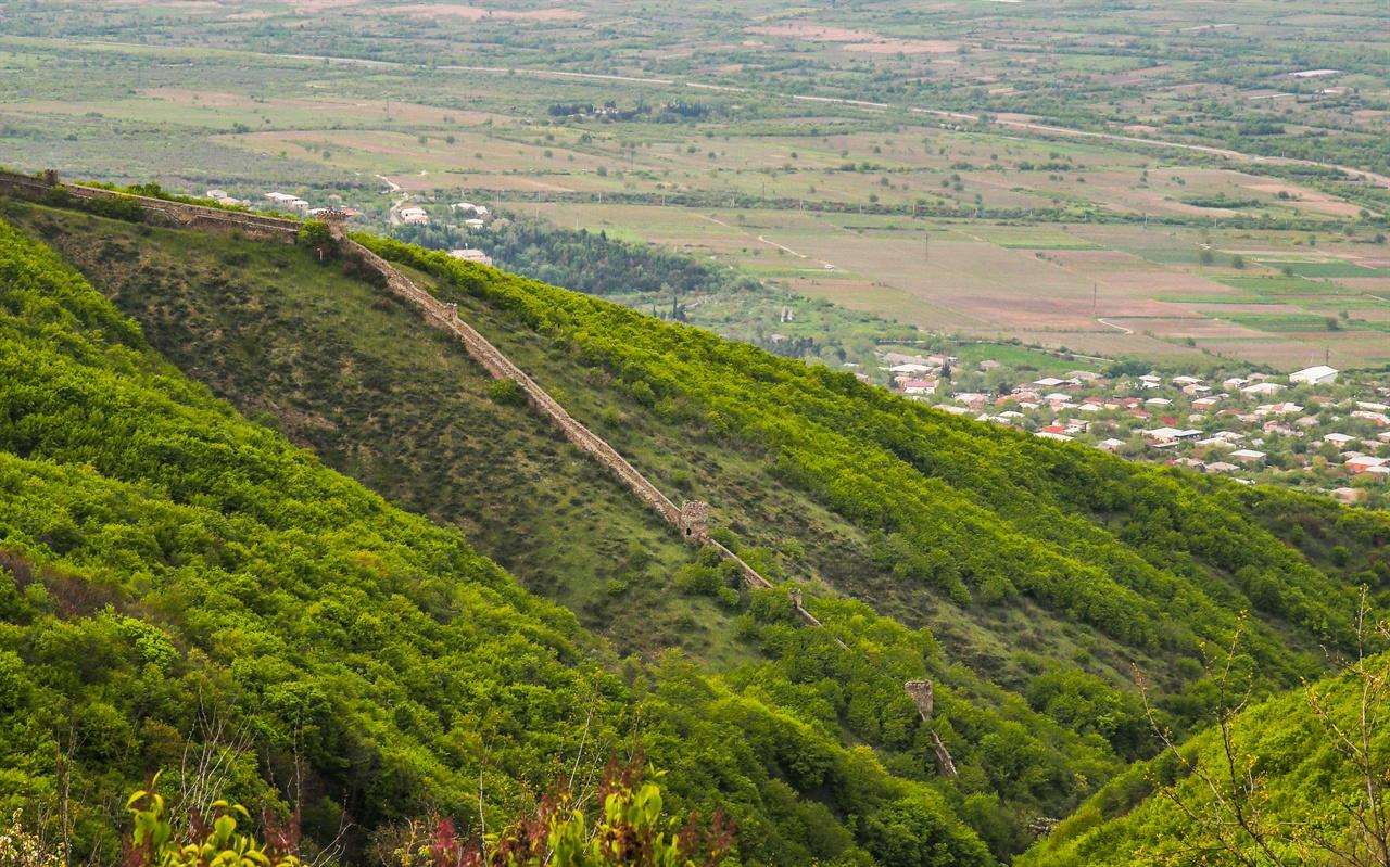 시그나기 성벽 18세기에 축성된 시그나기성은 그 길이가 4.5킬로에 달한다.