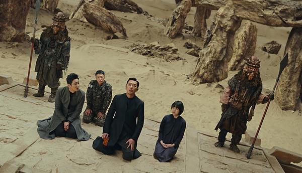 영화 <신과 함께: 인과 연>의 한 장면.