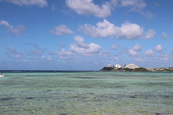 괌 남부투어에서 바라다 본 해변 모습