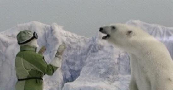 녹아내리는 빙하와 북극곰 지구상에서 북극곰이 사라질 것이라는 경고를 무겁게 받아들이고 환경 보호 노력이 이어져야 한다.