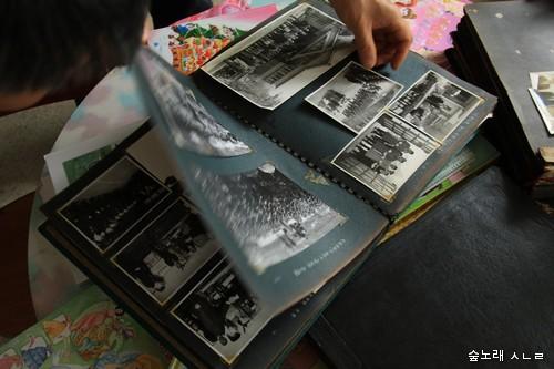 공공기관 대표 또는 정치권력자가 비서한테 맡겨서 남긴 1960년대 화보 모음. 중요한 사진자료 가운데 하나이다.
