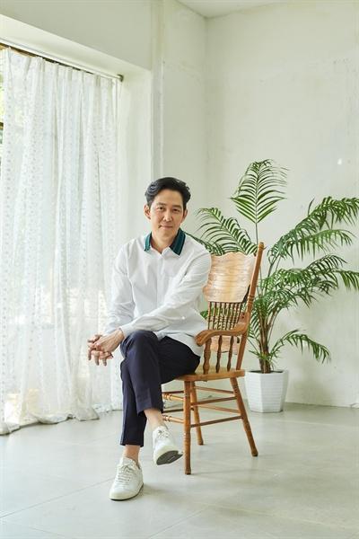 배우 이정재.