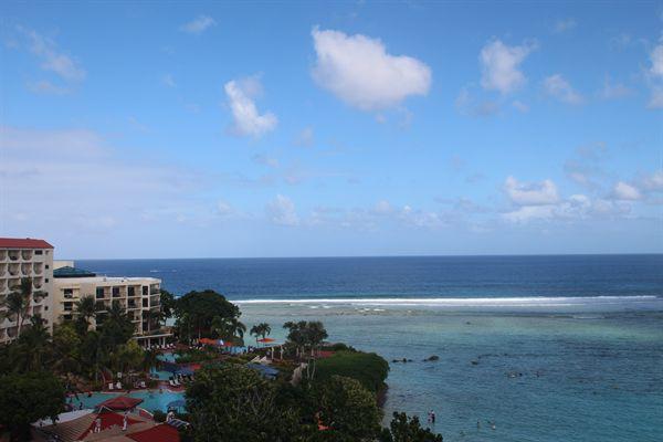 H 체인호텔앞 해변 모습