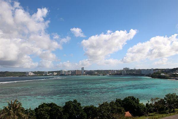 괌 투몬비치 해변가 모습