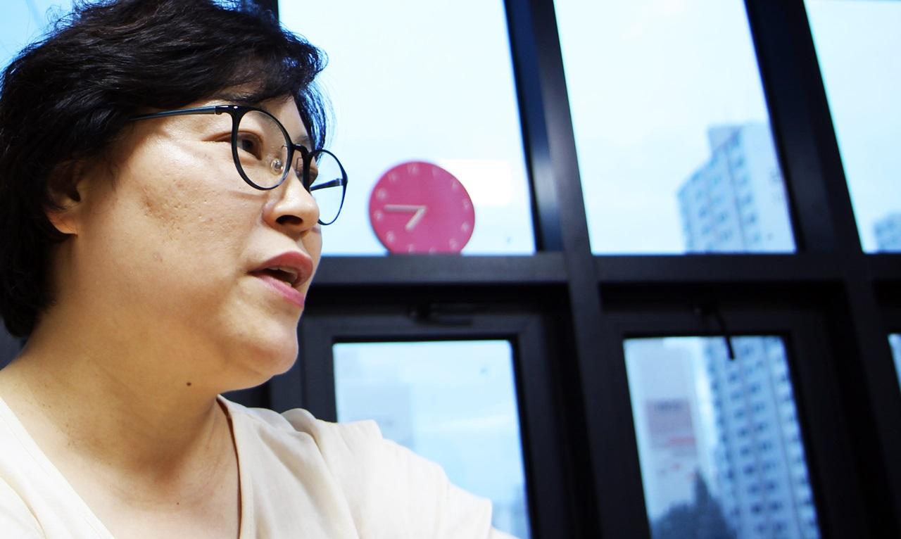 위기청소년의 대변자로 청소년 문제 해결사 역할을 하는 이진연 의원.