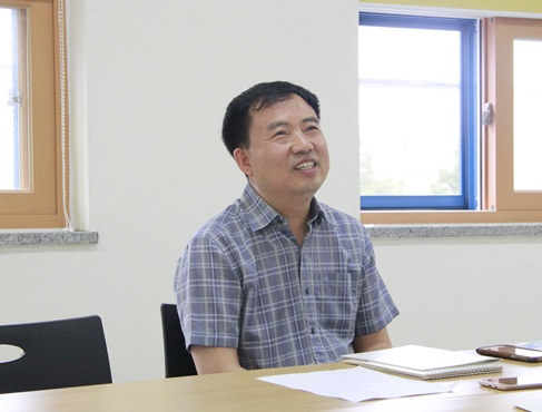 지난 7월 10일 종로구 숭인동에 있는 오디세이학교에서 정병오 교사와 인터뷰를 진행했다.
