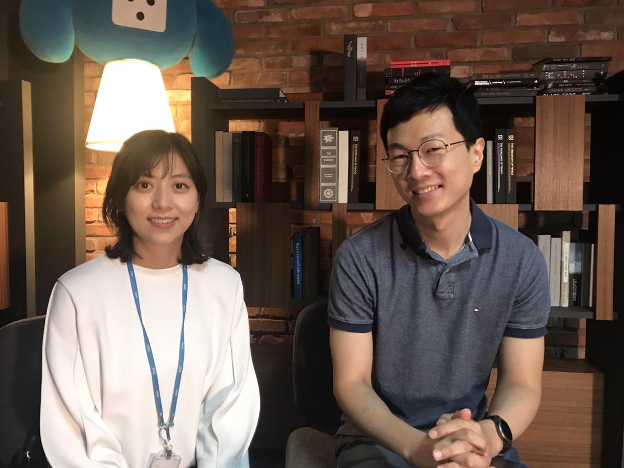 <마이 리틀 뉴스데스크> 진행자인 김경호(우), 임경아(좌) 기자