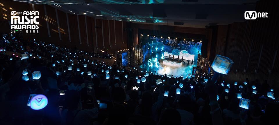 매년 11월 전후 CJ ENM의 음악채널 채널 엠넷이 아시아 각국에서 개최하는 엠넷 아시안 뮤직 어워드(MAMA).  지난해엔 일본, 홍콩외에 베트남에서도 열려 관심을 모았다.   현재 CJ ENM은 해외 시장 공략을 위해 다양한 시도를 진행중이다.