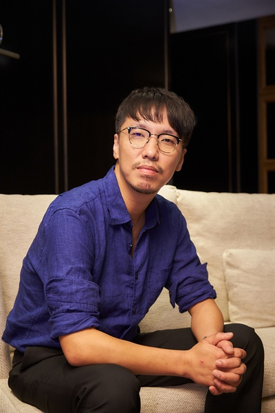 영화 <공작>을 연출한 윤종빈 감독.