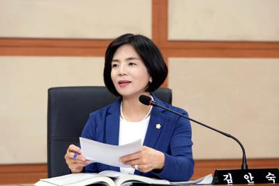 김안숙 서초구의회 행정복지위원장 (더불어민주당)