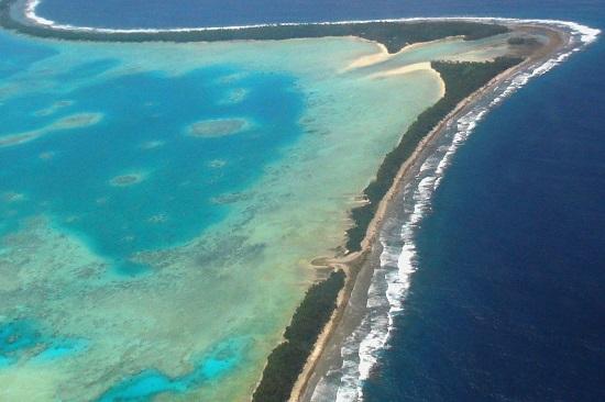 남태평양 도서 국가 투발루의 수도 푸나푸티. 투발루는 지구온난화로 인한 해수면 상승 영향을 가장 심각하게 받고 있는 나라다.