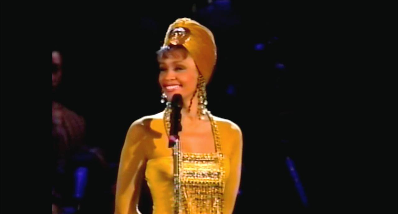 아파르트헤이트가 철폐된 1994년, 휘트니 휴스턴은 남아프리카공화국에서 'I Will Always Love You'를 불렀다.