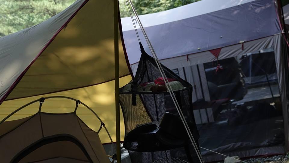 캠핑 어머니와 캠핑을 오면 한방에서 자는 게 가장 좋다