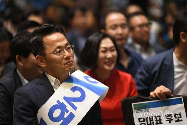 12일 오후 경북 안동시 그랜드호텔에서 실시된 민주당 경북도당 도당위원장 선거에서 당선된 허대만 후보.